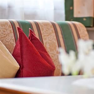 Hotelbett mit Polster im Detail